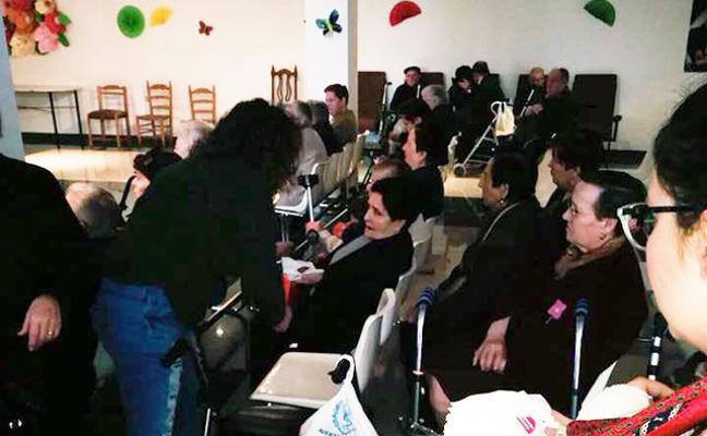 La Cofradía de la Esperanza sigue el camino solidario de José Grimas