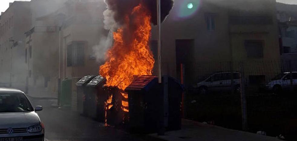 Aumentan los incendios en contenedores de basura por el depósito de brasas de braseros y chimeneas
