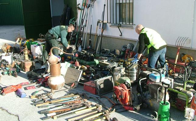 El arsenal que guardaba el ladrón de Zújar detenido por la Guardia Civil de Granada