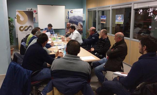 Los regantes de la comarca de Baza y la Asociación de Empresarios reclaman infraestructuras de riego