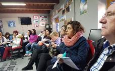 Veinte personas participan en Huéscar en un taller sobre la factura de la luz