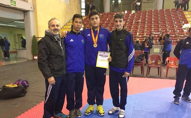 Moisés Herrera campeón de España en el Nacional Junior de Taekwondo celebrado en Córdoba