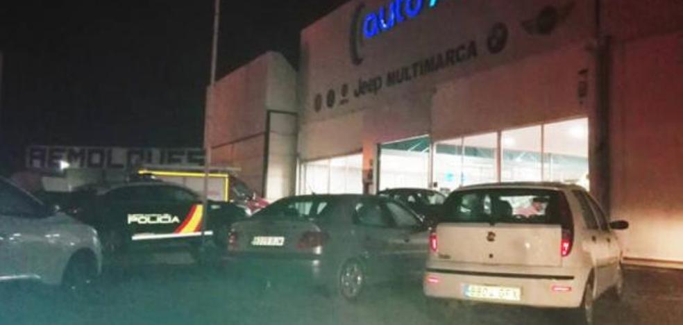 La Policía descarta el homicidio en el caso del hombre fallecido en su concesionario de Baza