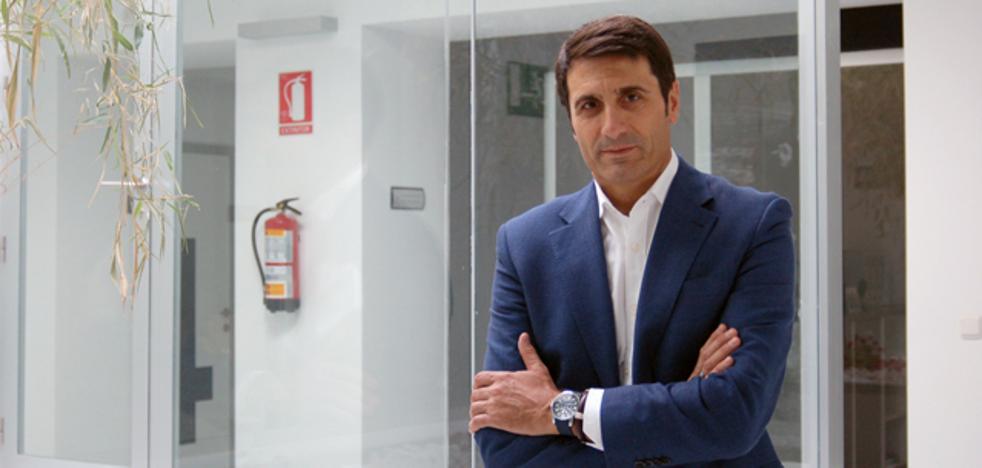 """El alcalde de Baza pide a la senadora Martín que """"cumpla con su palabra de propiciar una reunión con el Ministro de Industria"""""""