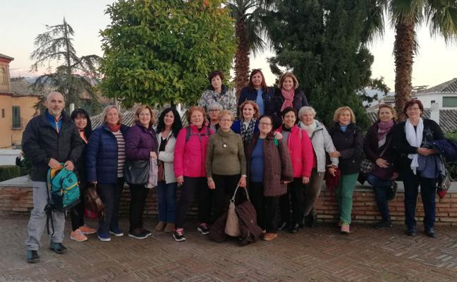 La Asociación de Mujeres La Morera organizó una visita guiada al Albaicín
