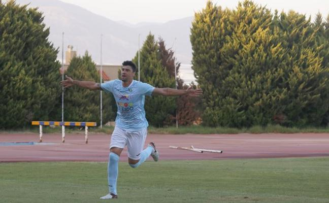 Pedro Oldoni supera las 'pruebas' y ya es futbolista del CD El Ejido