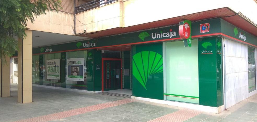 Asalta una sucursal bancaria en La Aldeilla y hiere con carácter leve a un empleado