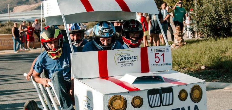 La Asociación Aldeílla Joven logra un éxito rotundo de participación en su I Carrera de Autos Locos
