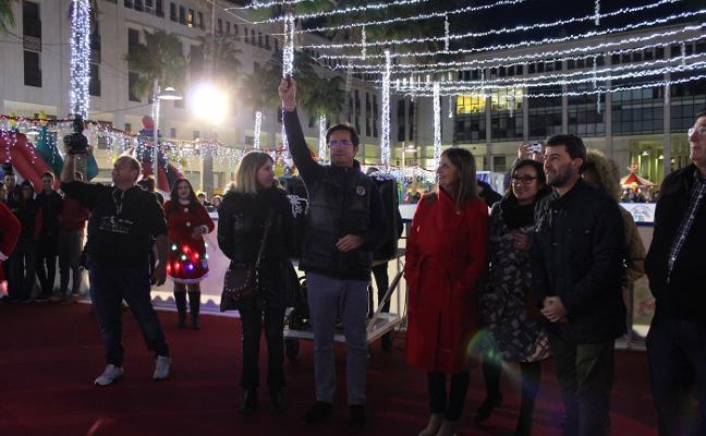 El encendido de luces y un espectáculo musical marcan el inicio de la Navidad ejidense