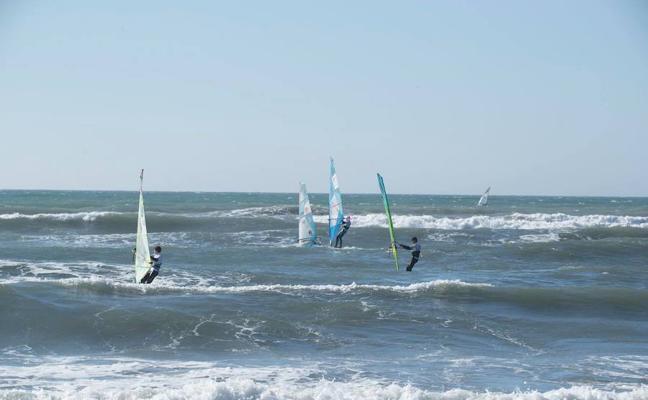 Éxito en el Mundial de windsurf júnior PWA en el Víctor Fernández Center