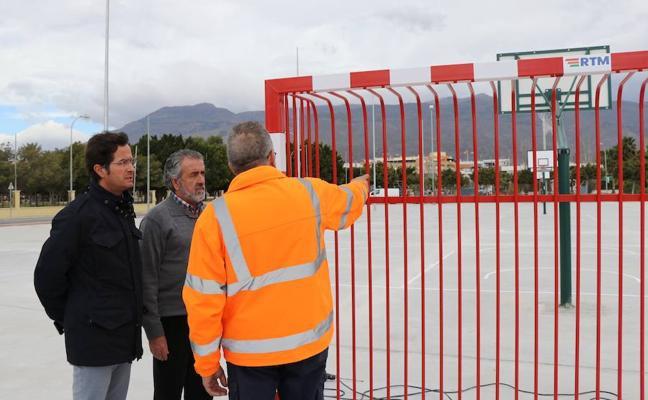 Las tres pistas deportivas del recinto ferial ya están en funcionamiento