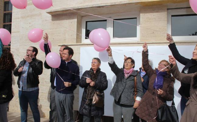 Los centros educativos y la Red Municipal de Bibliotecas, contra el cáncer