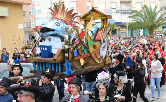 El Ejido comienza a vivir el Carnaval este fin de semana con baile, pasacalles y concursos