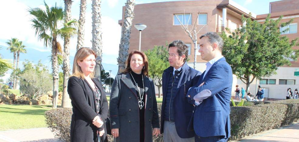 El PP pide que el Hospital de Poniente pase a ser de especialidades