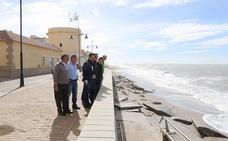 El alcalde solicita a Costas un aporte urgente de arena en la Playa de Balerma