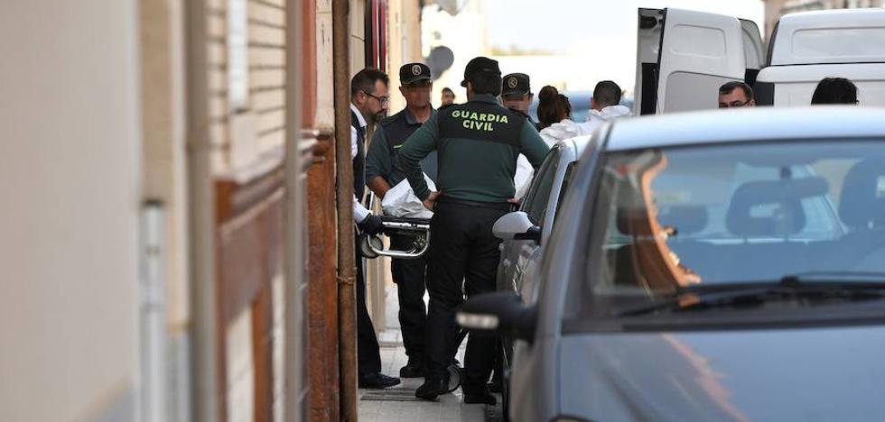 Mata a su hijo de nueve años en Balerma y llama a la Guardia Civil para avisar del crimen
