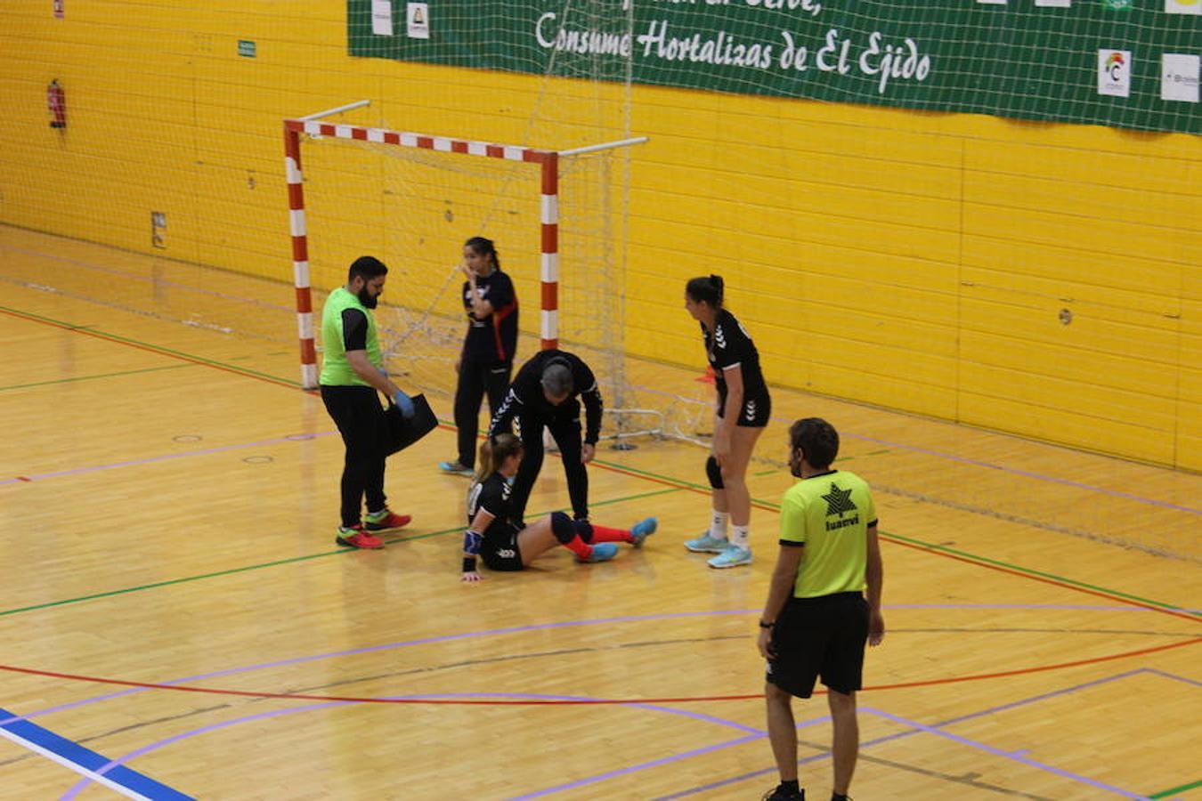 Mañana intensa de partidos en el campeonato Cadeba de balonmano 2018 en El Ejido