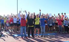 Más de 500 personas participan en la I Carrera Solidaria de Altea en Almerimar