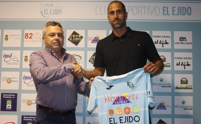 El CD El Ejido presenta a Aulestia y 'cierra' el alta de Sergio Jiménez