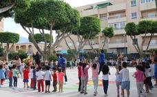 Los peques del colegio Gabriela Mistral descubren el valor de las asociaciones locales