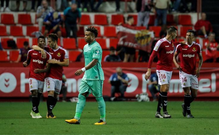 Nástic - Granada CF: Uche le corta las alas al Granada