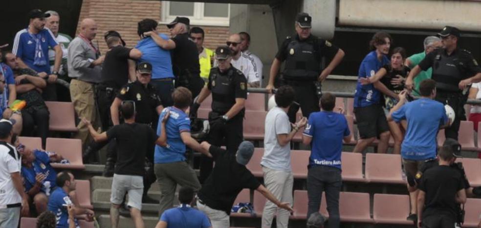 Conflicto entre la Policía y la afición del Oviedo