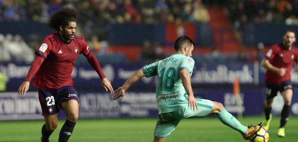 El empate en Pamplona hace al Granada líder