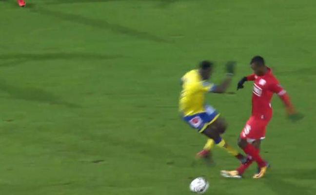 """Uche Agbo clama contra Angban: """"Creía que me había partido la pierna"""""""