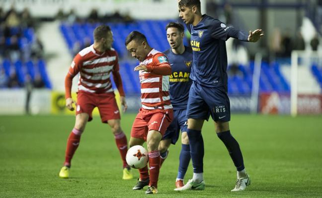 Dominio sin premio para el Granada B en La Condomina ante el UCAM Murcia