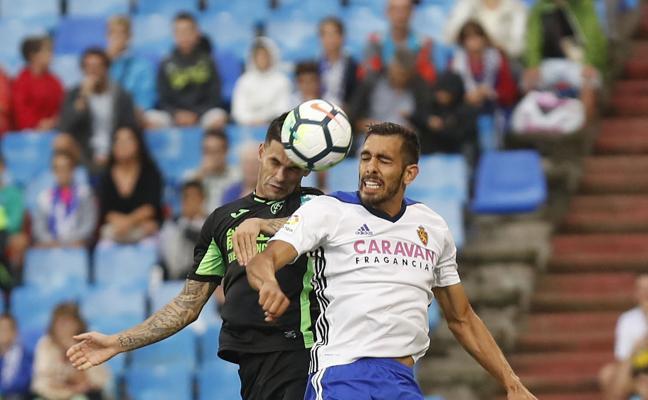 Borja Iglesias, importante baja para el Zaragoza en su visita a Los Cármenes