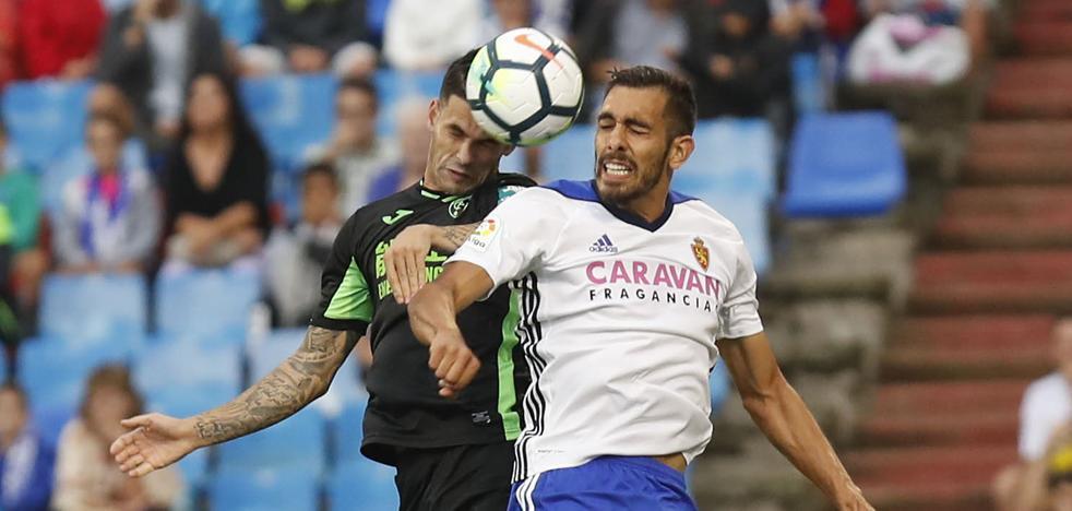 El Zaragoza recurre la quinta amarilla a Borja Iglesias