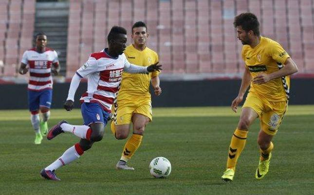 Aly Mallé no puede frenar al líder Huesca con su primer gol de la temporada