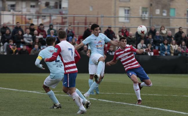 Un animado Granada B visita a un Mérida irreconocible
