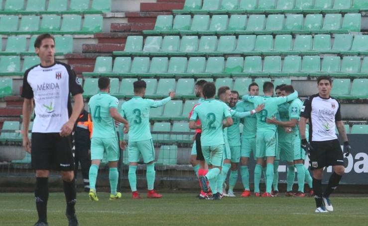 El Granada B vence ante el Mérida