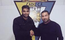 El delantero Jona Mejía se incorpora al Cádiz
