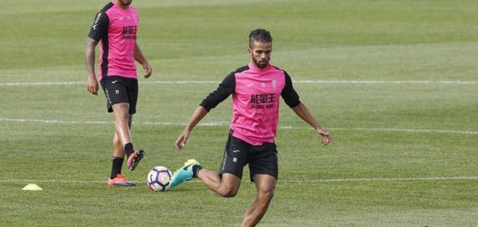 Carcela marca y ayuda al Standard de Lieja a acercarse al play-off por el título