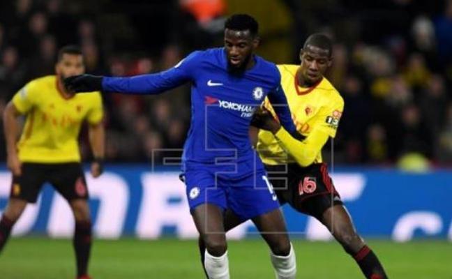 Doucouré la rompe en Inglaterra y Liverpool y Arsenal andan tras sus pasos