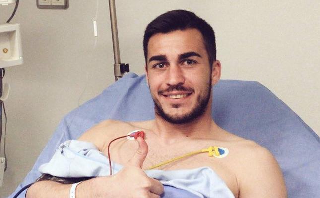 Joselu recibe el alta tras someterse a pruebas en el hospital por el codazo de Christian