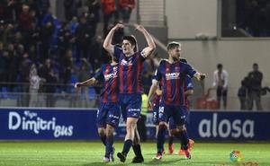 El Huesca gana y aventaja en ocho puntos al Granada