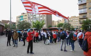 La afición del Granada se moviliza para arropar al equipo este domingo
