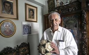 'Candi' cumple 90 años: «No estoy cómodo cuando se meten con el equipo»
