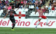 El Granada oficializa que Adri Castellano jugará en el primer equipo
