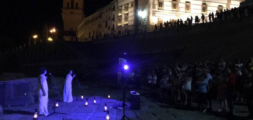 'Edipo' echa el cierre a los micro espectáculos en el Teatro Romano