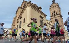 Más de ochocientos corredores tomarán la salida de la Media Maratón del Melocotón