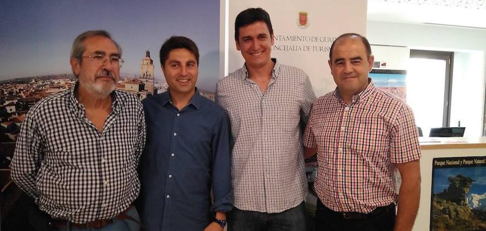 Guadix, Fonelas, Gorafe y la Asociación de Vitivinicultores se muestran juntos en la Feria de los Pueblos