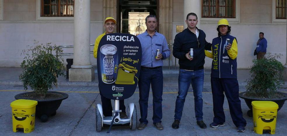 La campaña Granada Recicla llega a Guadix para concienciar sobre la necesidad de reciclar