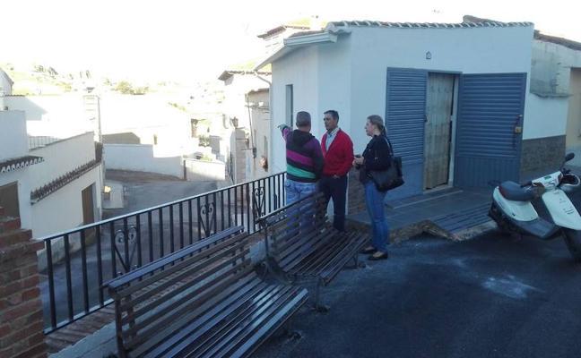 Visita a los trabajos de asfaltado llevados a cabo en diversas calles de la ciudad
