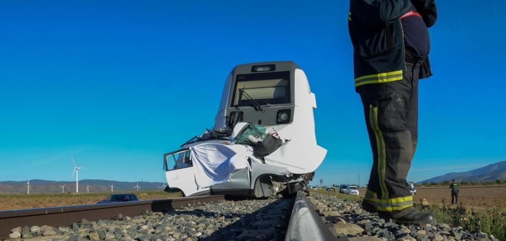 """""""Cuando hemos mirado hemos visto cómo el tren arrastraba el coche"""""""