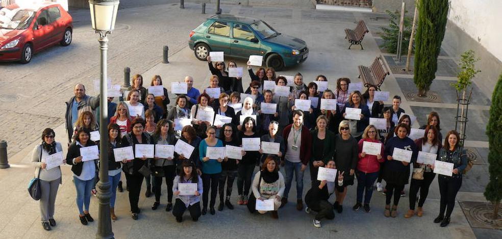 Sesenta personas se forman en mantenimiento y rehabilitación psicosocial de personas dependientes