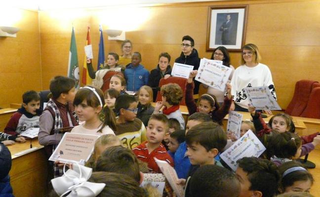 Entregados los premios de los certámenes escolares de poesía